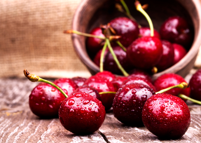 Bowl of delicious red cherries
