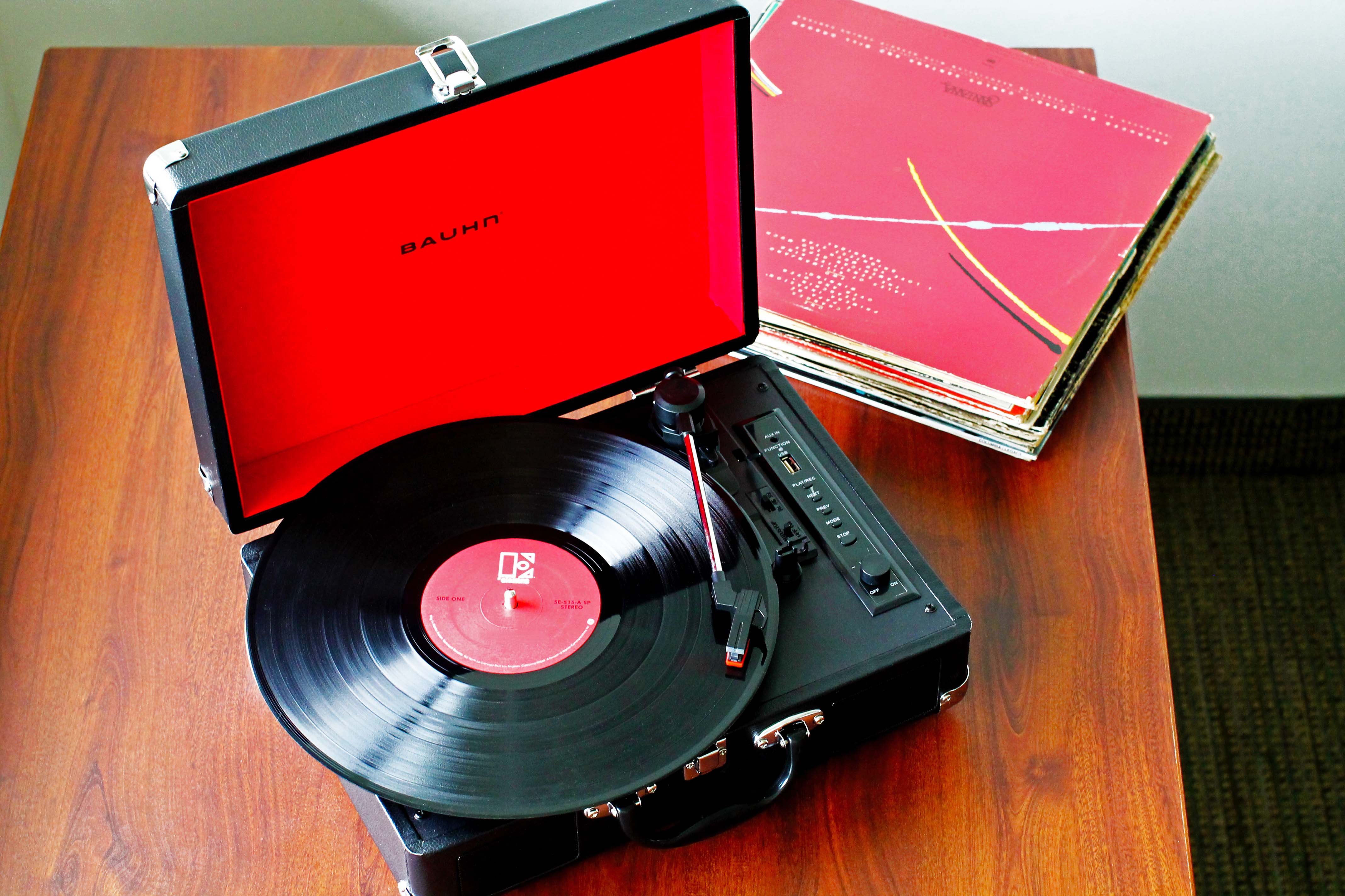 Portable turntable.